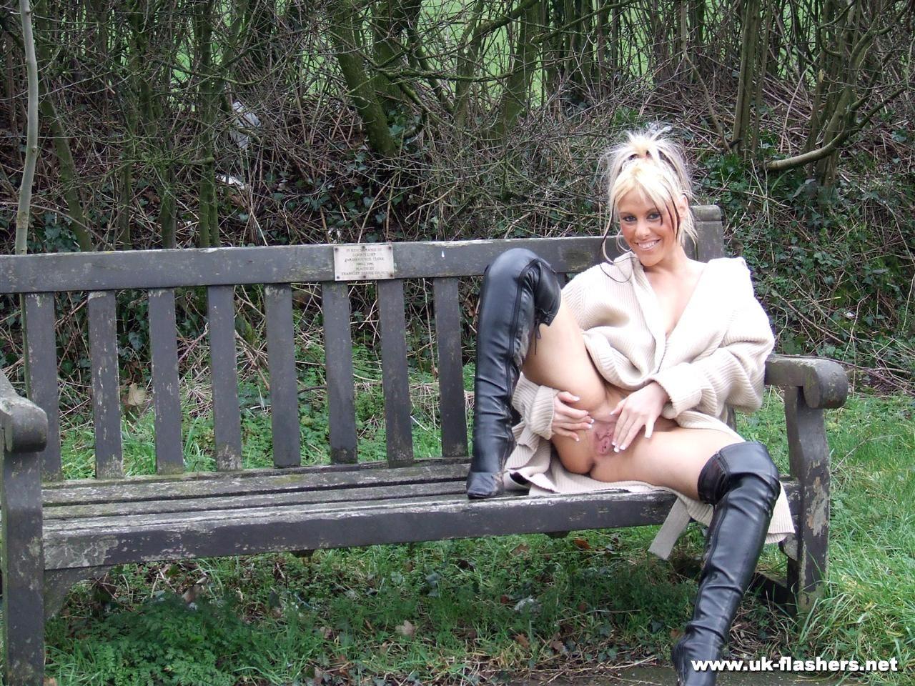 Visit Uk Flashers Etreme Public Nudity Madness